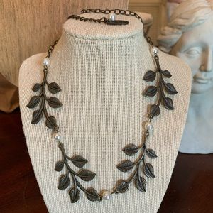 "Plunder NORAH Pearl & Leaves 21"" Necklace"